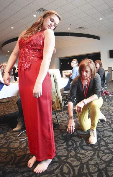 Alliance Helps Teens Get Set For Prom With Free Dresses Local