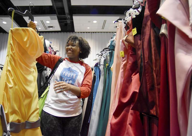 Prom Dresses And Life Skills Too Local The Journal Gazette