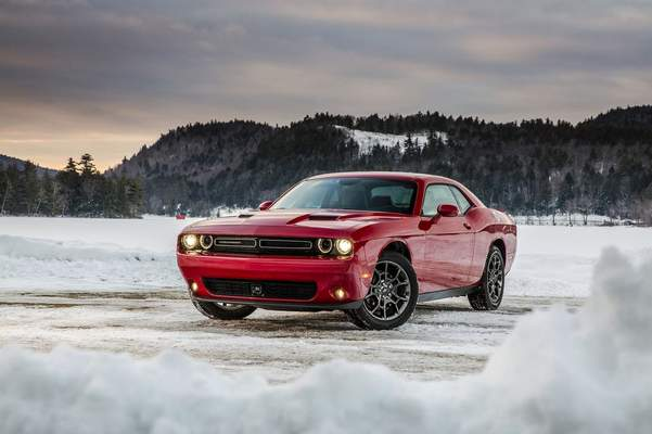 Review Dodge Challenger Gt Swoons At Snow Business The Journal Gazette