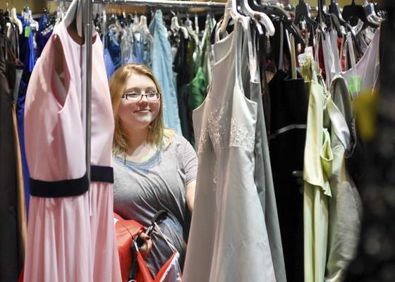 Local students find the perfect dress at Cinderella Dress Day ...