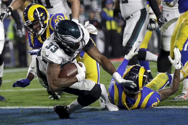 22a9f6b23de Back in the game: Foles leads Eagles past Rams 30-23 | NFL | The Journal  Gazette