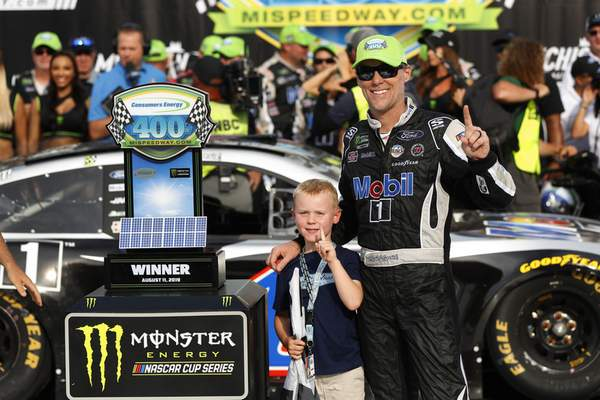 Harvick believes he's peaking at right time with win | Racing | The