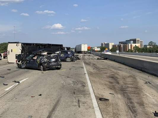 3 killed in 7-vehicle crash on Interstate 465 in Indianapolis