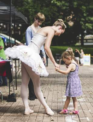 Photo by Adam Garland Taste of the Arts on Saturday includes entertainment, such as dancers from the Fort Wayne Ballet.