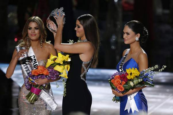 Miss Universe mistake crowns Colombia before Philippines