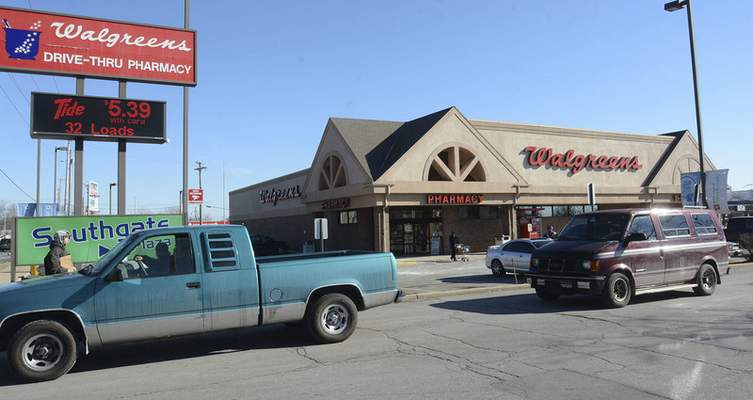 Cathie Rowand | Journal Gazette The Walgreens location at Southgate will be closing Feb. 23.