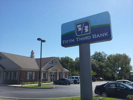 Cathie Rowand | The Journal Gazette: The Fifth Third Bank branch at 6026 Lima Road was robbed this afternoon, Fort Wayne police said.