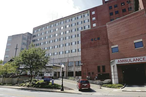 Cathie Rowand   The Journal Gazette St. Joseph Hospital on Broadway will be replaced with a new downtown hospital, Lutheran Health Network said Wednesday.
