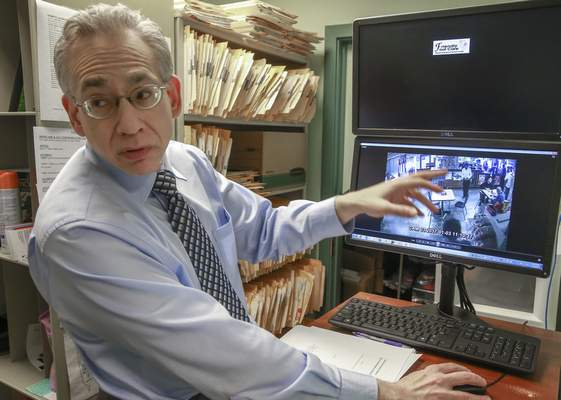 Associated Press In a recent trial in Tennessee, Crown Point podiatrist Dr. Michael Nirenberg's testimony on gait analysis helped convict a violent armed robber.
