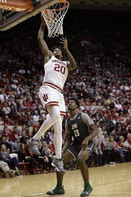 Indiana forward De'Ron Davis dunks during Indiana's 94-64 win over Jacksonville on Saturday at Assembly Hall. (AP Photo/AJ Mast)