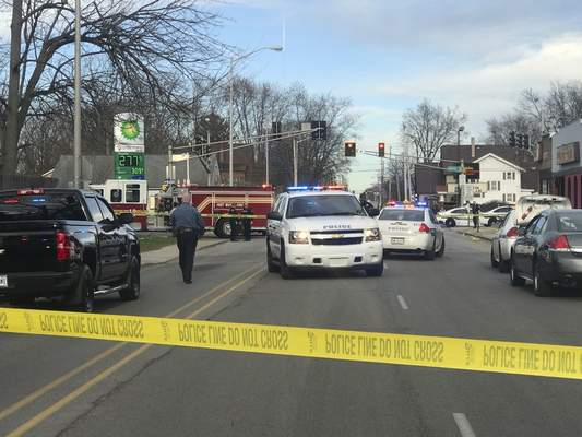 Police investigate a fatal shooting Tuesday near Lake Avenue and North Anthony Boulevard. (Jamie Duffy | The Journal Gazette)