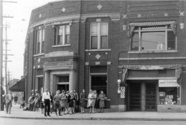 Broadway State Bank was the site of the city's first armed bank robbery in August 1930. The crime and trial were covered extensively in Fort Wayne newspapers.