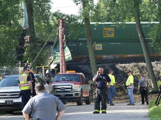 Derailment snarls main route between Chicago, East Coast