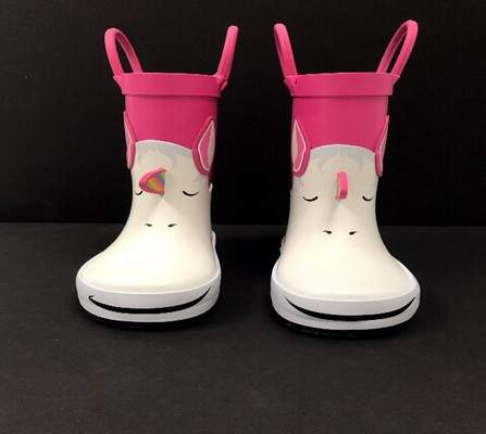 Photo of the front view of the recalled Cat & Jack Lilia Rain Boots
