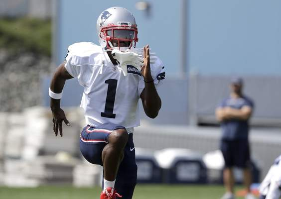 Associated Press New England Patriots wide receiver Antonio Brown works out with the team for the first time Wednesday, a day after his former trainer filed a civil lawsuit accusing him of sexually assaulting her.