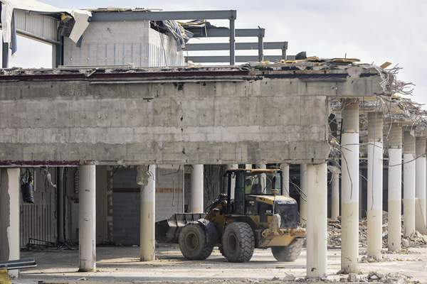 Fort Wayne Mall >> Glenbrook Adapting With Times Local The Journal Gazette