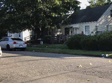 Michelle Davies | The Journal Gazette: Fort Wayne police responded this morning to a home invasion in the 4000 block of Reed Street.