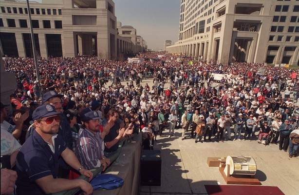 File  The largest known event at the Statehouse was a 1995 labor rallyin which 20,000 Hoosiers showed up. On Tuesday, thousands ofIndiana teachers will descend on the Statehouse, testing the building's capacity in an attempt to showlawmakers they want change on the ceremonial first day of the legislative session.