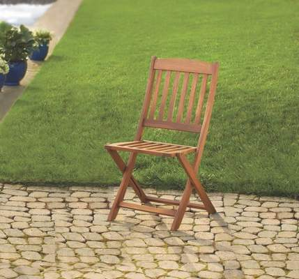 Recalled Linon Home foldable wood patio chair.