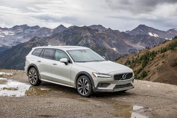 Courtesy Volvo: The 2020 Volvo V60 Cross Country glides over rough pavement and features variable modes that allow drivers to configure the throttle response and steering feel, reviewer Casey Williams says. He says it doesn't wallow in corners and instills joys that many of today's drivers have forgotten.