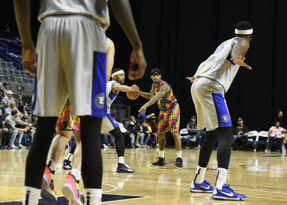 Rachel Von Stroup | The Journal Gazette  The Mad Ants' Walt Lemon, Jr. signals to another player during the second quarter against the Legends at Memorial Coliseum on Friday night.