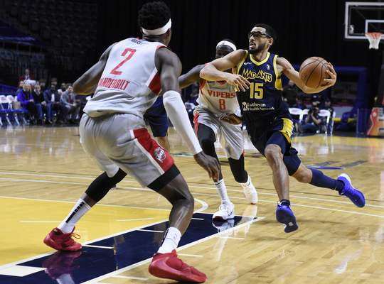 Rachel Von Stroup | The Journal Gazette  The Mad Ants' Naz Mitrou-Long drives to the basket during the first quarter against Rio Grande Valleyat the Memorial Coliseum on Monday night.