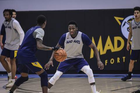 Mike Moore | The Journal Gazette Indiana Pacers guard Victor Oladipo practices Wednesday with the Fort Wayne Mad Ants at ASH Centre. Oladipo has practiced with the team while rehabbing his knee. (The_Journal_Gazette)