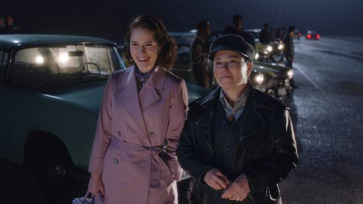 """This image released by Amazon Studios shows Rachel Brosnahan, left, and Alex Borstein in a scene from """"The Marvelous Mrs. Maisel."""