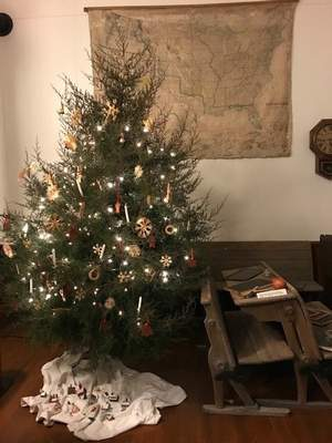 Courtesy Visitors to the Old German School on the Huntington-Wabash county line Sunday canparticipate in a German Christmas with the reading of the Christmas story in German and singing of Christmas carols.