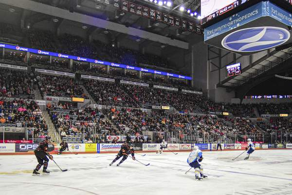 Mike Moore | The Journal Gazette Komets play the Toledo Walleye at Memorial Coliseum on Tuesday.