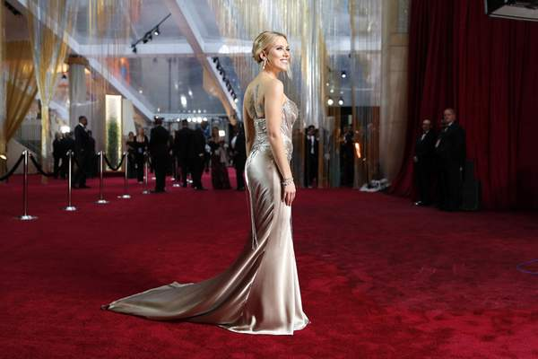 Scarlett Johansson arrives at the Oscars on Sunday, Feb. 9, 2020, at the Dolby Theatre in Los Angeles. (AP Photo/John Locher)