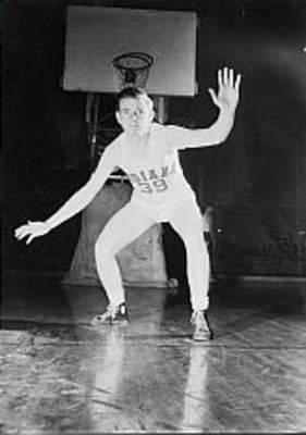 Herm Schaeferled Indiana in scoring during the 1940 NCAA tourney.Schaefer was 6 foot, but he often played forward for coach Branch McCracken.