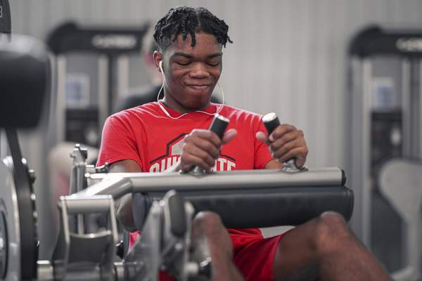 Photos by Mike Moore   The Journal Gazette Elevation Prep basketball player Jaquan Kizer works out  at the Jackson R. Lehman Family YMCA.