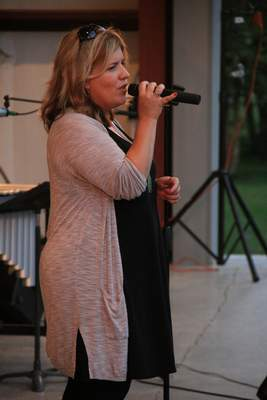 Courtesy Colleen McNabb-Everage will perform tonight at DeKalb Outdoor Theater.