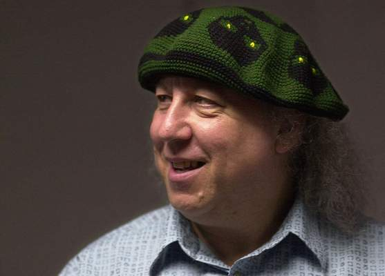In this file photo dated Saturday, April 7, 2001, British rock and blues guitarist Peter Green, a founding member of Fleetwood Mac, backstage before performing with his own band, Peter Green's Splinter Group, at B.B. King Blues Club & Grill, in New York. (AP Photo/Mark Lennihan, FILE)