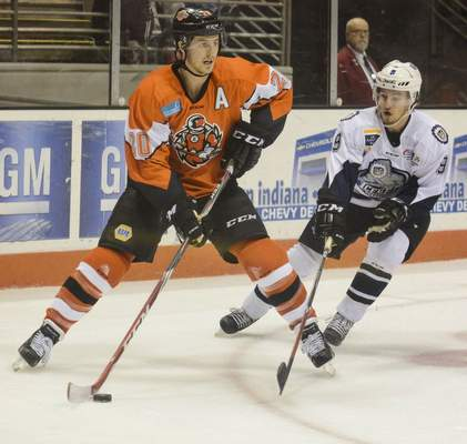 File | The Journal Gazette: The ECHL has delayed the start of its 2020-21 season, including Komets games at Memorial Coliseum, until Dec. 4, but said today it is expecting to play all 72 games.