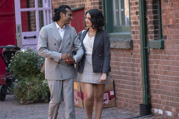 This image released by Sony -TriStar Pictures shows Utkarsh Ambudkar, left, and Geraldine Viswanathan in a scene from The Broken Hearts Gallery. (George Kraychyk/Sony-TriStar Pictures via AP)