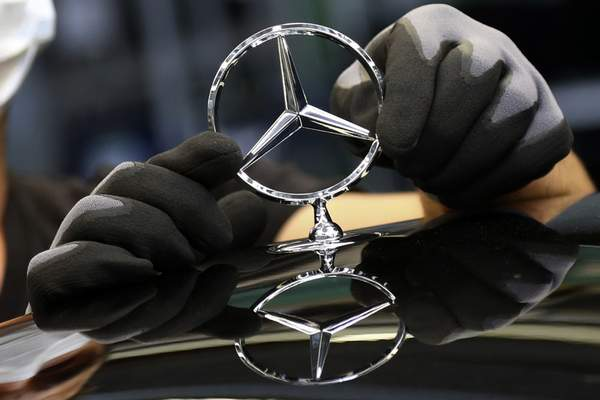 Associated Press  Daimler, maker of Mercedes-Benz vehicles, reported a rise in third-quarter profits after the industry began its recovery from the coronavirus pandemic.