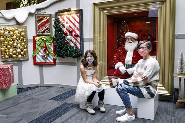 Fort Wayne Christmas Events 2020 Mall Here comes Santa Claus   with face masks and plexiglass | US | The