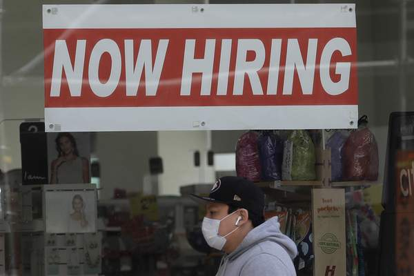 Associated Press The number of people who filed for unemployment benefits last week rose to 742,000, the first increase in five weeks, the Labor Department reported Thursday.