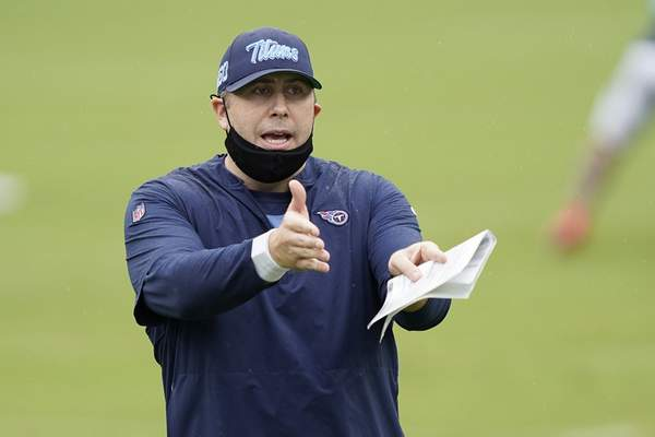 FILE - Tennessee Titans offensive coordinator Arthur Smith instructs his players during NFL football training camp in Nashville, Tenn., in this Friday, Aug. 21, 2020, file photo. The New York Jets interviewed Tennessee Titans offensive coordinator Arthur Smith on Monday, Jan. 11, 2021, for their head coaching vacancy. (AP Photo/Mark Humphrey, Pool, File)