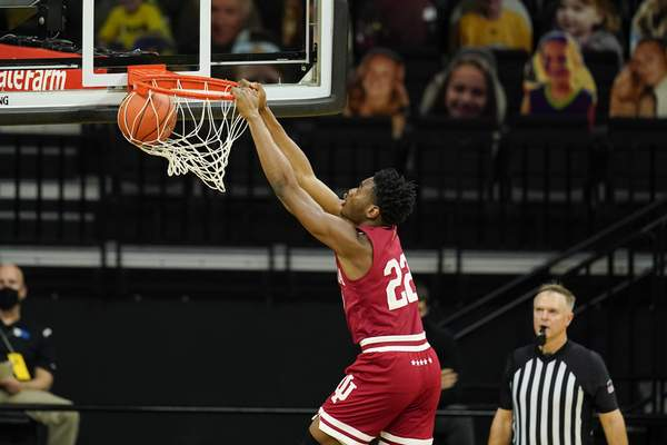 Associated Press Indiana forward Jordan Geronimo dunks the ball during the first half Thursday against the Hawkeyes in Iowa City, Iowa.