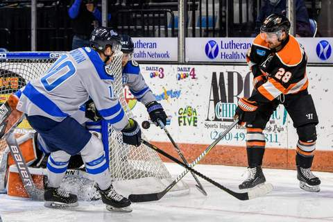 Boudens Mike Moore: Komets forward Matthew Boudens, seen here battling for the puck during an April game against Jacksonville in Memorial Coliseum, is returning to the Komets after two games with Chicago of the AHL.