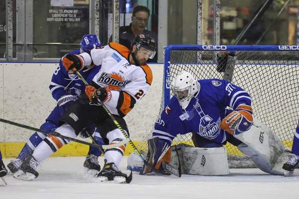 Ed Bailey | Wichita Thunder Komets forward Matthew Boudens, middle, likes to wreak havoc in front of the opposing net, as he did at the University of New Brunswick. Boudens, who had the overtime series-clinching goal against the Wichita Thunder, is one of five former UNB players on the Fort Wayne roster.