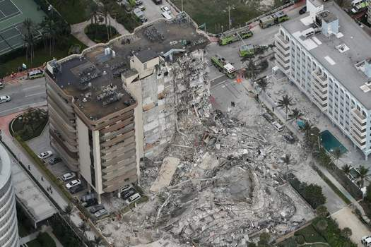APTOPIX Building Collapse Miami Associated Press An aerial photo Thursday shows the partial collapse of a 12-story condo in Surfside, Fla. (Amy Beth BennettMBO)