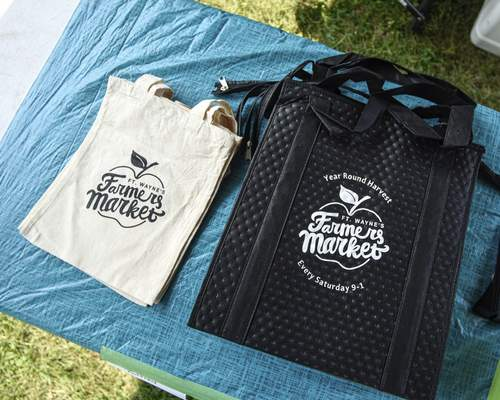 Ft. Wayne's Farmers Market hands out child-size tote bags free to kids.