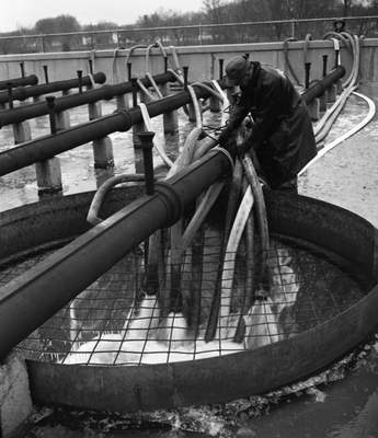 Dec. 4, 1950: Hoses were run from firetrucks by theSt. Joseph Riverup to the Water Filtration Plant as fire crewssupplied emergency water reserves.