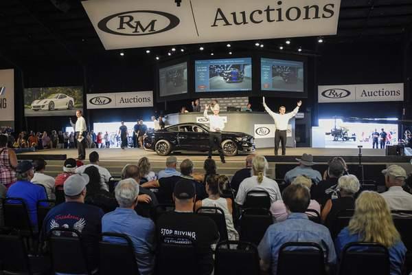 Mike Moore | The Journal Gazette The Auburn Fall Auction on Saturday.