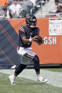 Bengals Bears Football Associated Press Chicago quarterback Justin Fields will get his the first start of his NFL career on Sunday on the road against the Cleveland Browns.  (David BanksFRE)