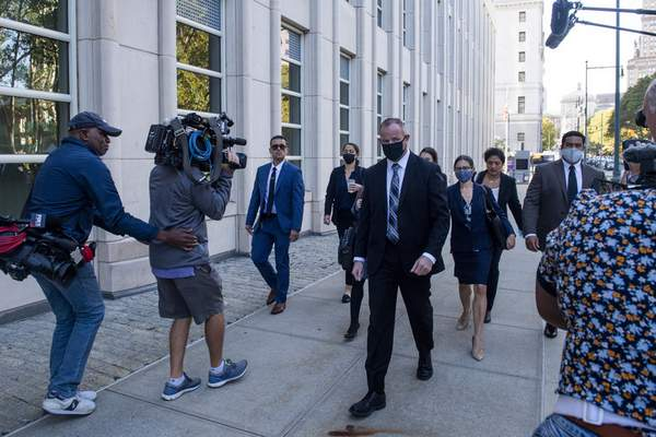 Prosecutors against R. Kelly arrive at the Brooklyn Federal Court House on Monday, Sept. 27, 2021, in New York. A New York City jury resumed deliberations on Monday at the sex trafficking trial of R&B star R. Kelly. Jurors began the day by sending the judge a note asking for transcripts of testimony by two former Kelly employees and for a legal clarification. (AP Photo/Brittainy Newman)